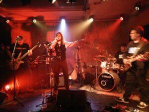 Makas band live